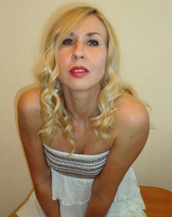 Anna (45) aus Krakau auf www.partnervermittlung-polnische-frauen.de (Kenn-Nr.: 8473)